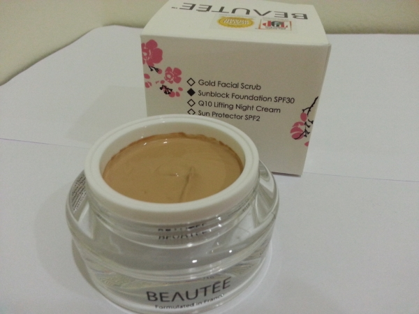 Beautee Sunblock Foundation SPF30 防晒霜